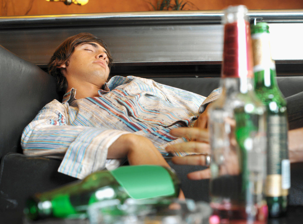 Алкогольная интоксикация относится к одной из самых распространенных.