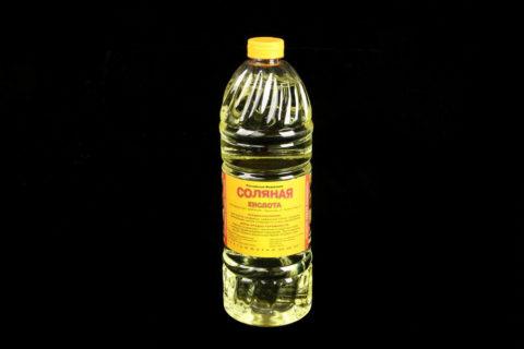 Соляная кислота нередко содержится в аккумуляторах