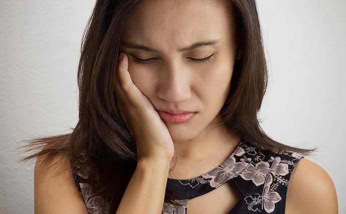 Симптоматика стоматита на десне