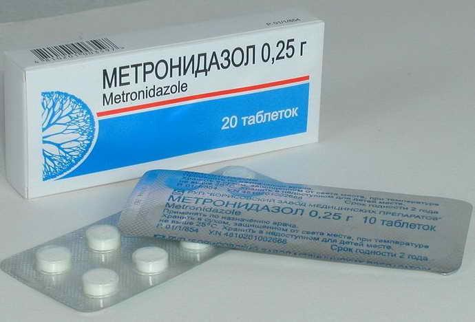 Применение лекарственных средств для лечения натирания десны