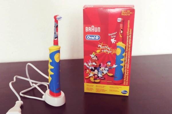 Braun Oral-B Kids Mickey Mouse - лучшая детская электрическая зубная щетка
