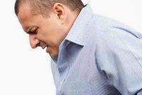 Дискомфорт в желудке и другие признаки отравления возникают после проглатывания