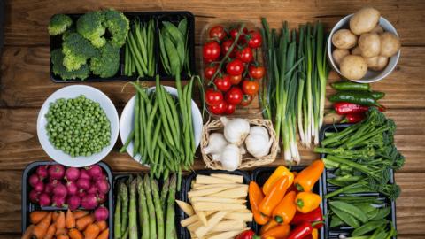 Очищение при помощи овощей, представленных на фото – наиболее мягкий способ выведения шлаков из кишечника.