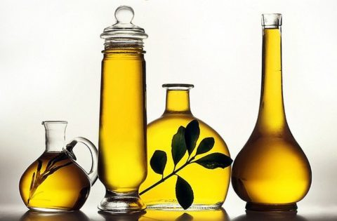 Для клизм рекомендуется применять рафинированное масло.