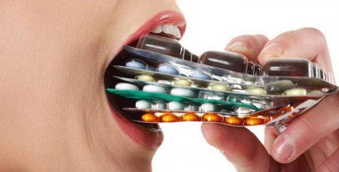 Прием антибиотиков при имплантации зубов