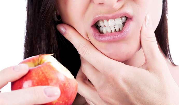 сильная, острая боль при надавливании зуба