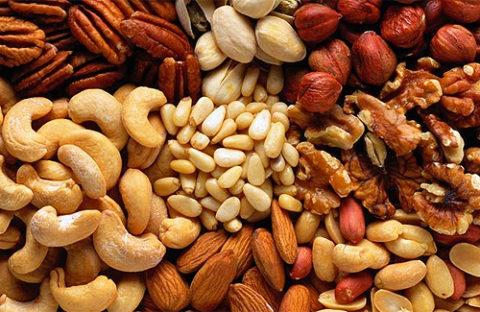 Орехи снижают концентрацию низкоплотного холестерина