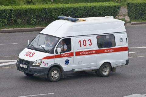Врачебная помощь осуществляется после доставки пациента в стационар машиной СМП