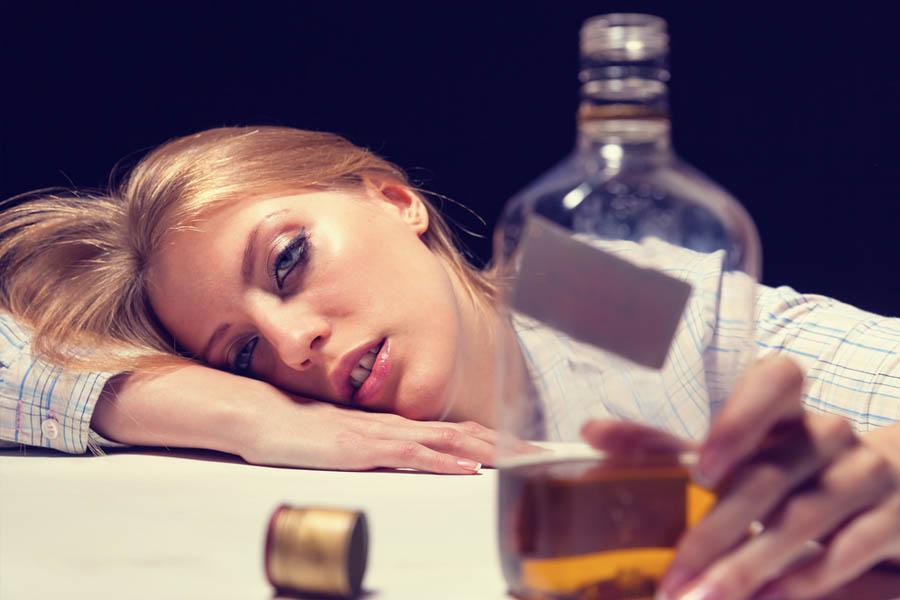 Увы, на втором месте после пищевой стоит алкогольная интоксикация