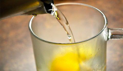 Вода с медом и другими компонентами поможет очистить организм.