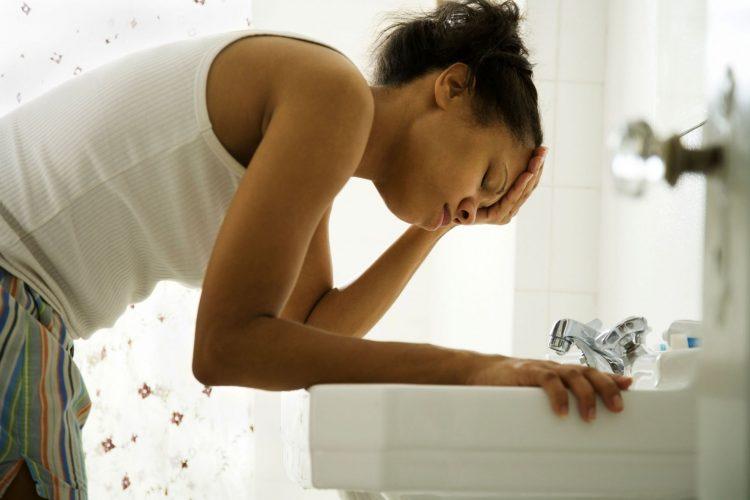 На фоне отсутствия адекватного лечения токсикоз 2 триместра может быть крайне опасен