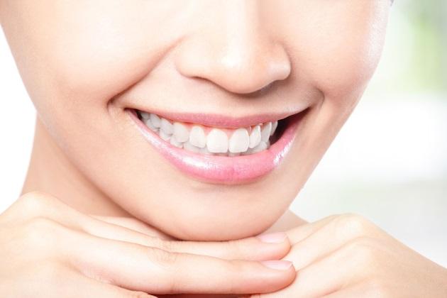отбеливание зубов аптечными средствами