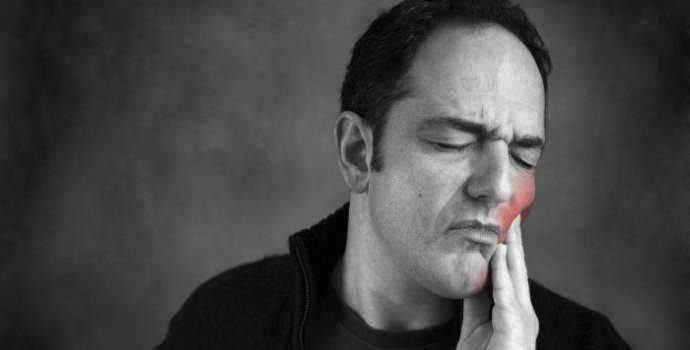 Боль в зубе после пломбирования: как избежать осложнений лечения