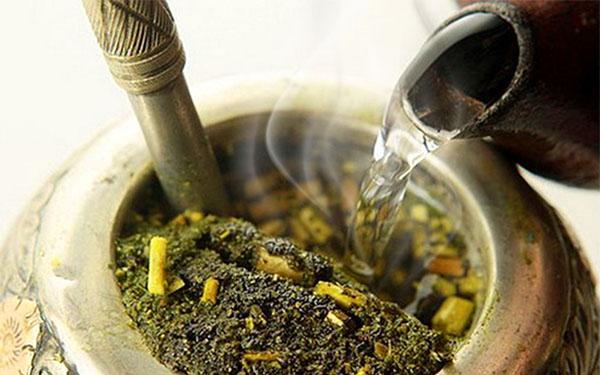 Горячий чай мате
