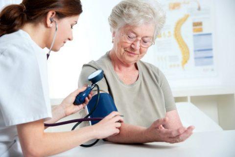 Пожилым пациента дозу лекарства нужно скорректировать