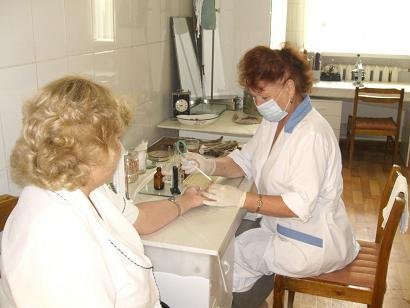 Регулярная медицинская проверка работников.