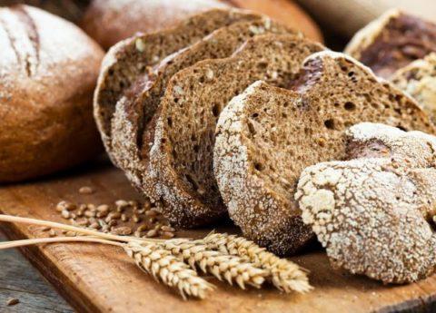 Деготь с хлебом помогут вывести из организма все шлаки и токсины.
