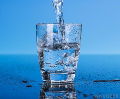 При проведении чистки желательно пить кремниевую или родниковую воду.