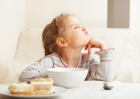 Не настаивайте, если малыш пока не хочет кушать