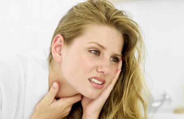 растет зуб мудрости и болит горло