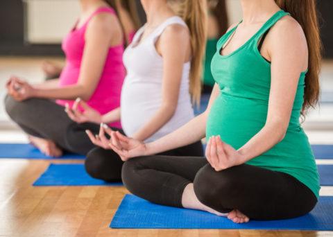 В чем польза йоги для беременных.