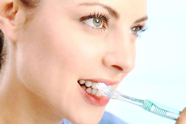 ежедневная чистка зубов является профилактикой рака десны