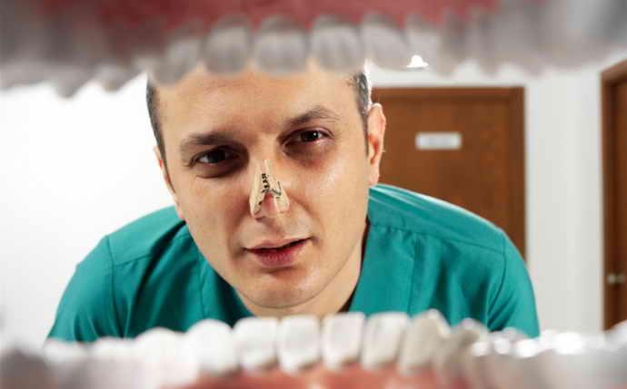 диагностика неприятного запаха изо рта