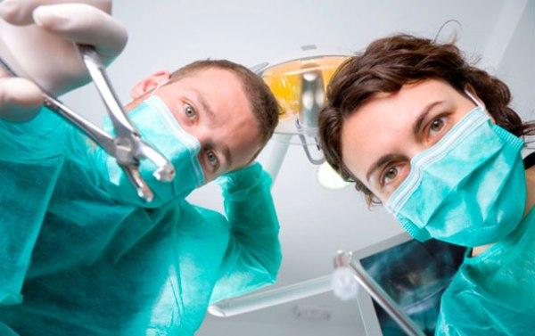 удалять или лечить зуб
