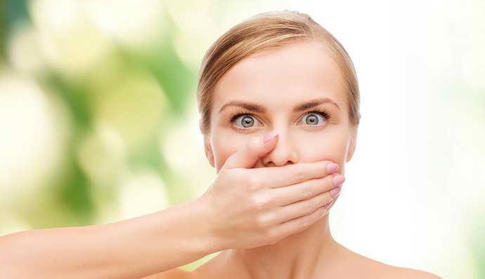 неприятный запах изо рта от стоматита