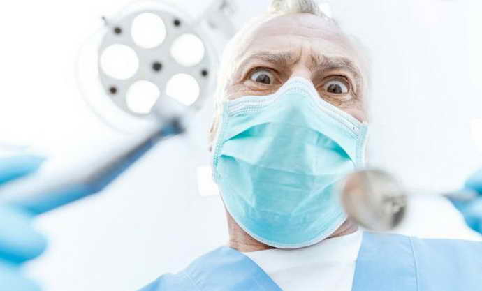 Некачественная работа врача состоит в неправильном установлении штифта