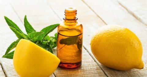 Изгнать паразитов из печени поможет классическая чистка маслом и лимонным соком.