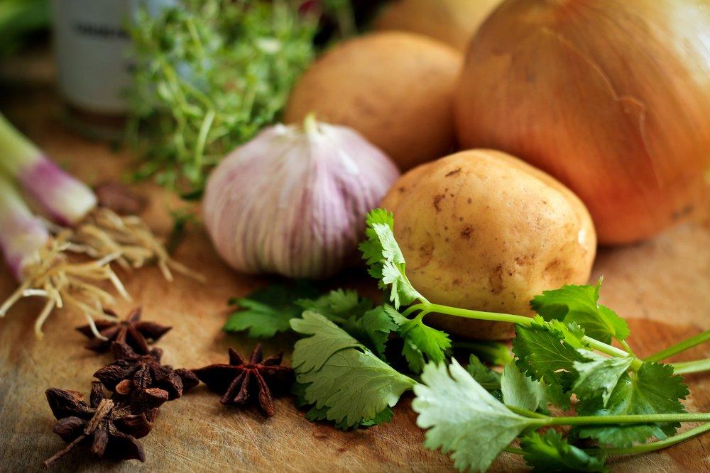 Кашица из чеснока и картофеля.