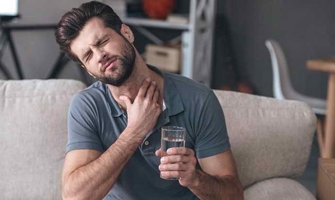 Основные симптомы появления флюса