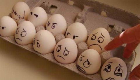Крайне опасным является употребление испорченных яиц, так как оно может вызвать сальмонеллез
