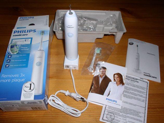 лучшая электрическая зубная щетка Philips Sonicare CleanCare HX3212/03