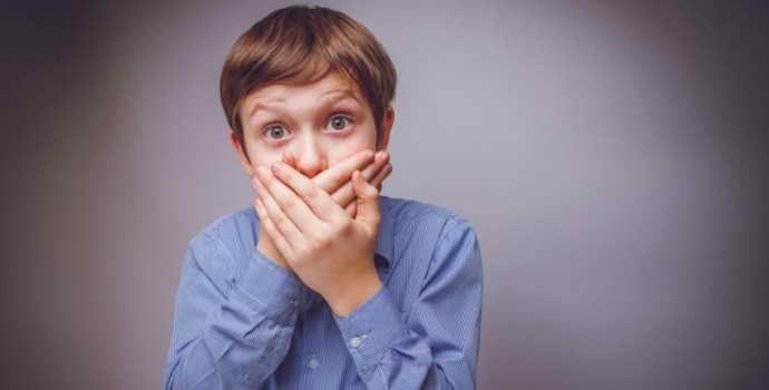 Запах ацетона изо рта у ребенка: причины возникновения, способы лечения