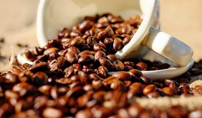 зерна натурального кофе от запаха изо рта