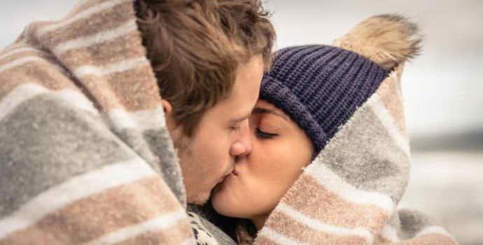 Передается ли кариес через поцелуй, предрасполагающие факторы, группа риска