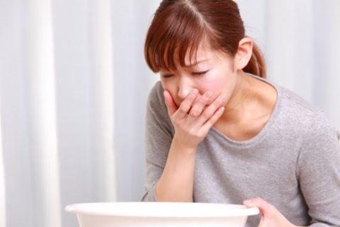 Тошнота и рвота - самые распространенные спутники токсического поражения организма