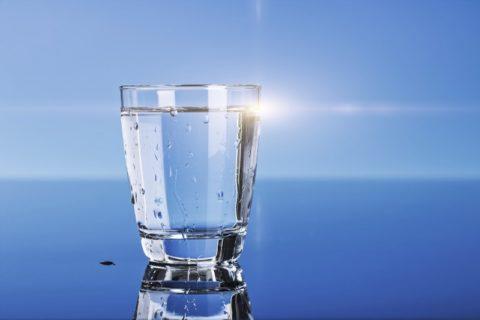 Для промывания желудка желательно использовать обычную чистую воду
