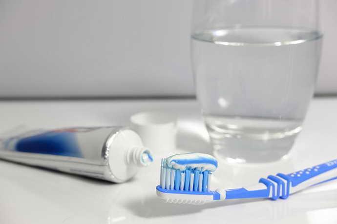 гигиена полости рта для профилактики запаха мочи изо рта