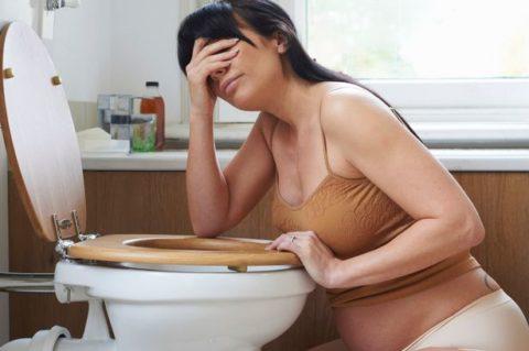Тошнота – основной, и наиболее распространенный симптом токсикоза.