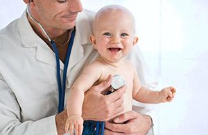 Малыш на приме у врача