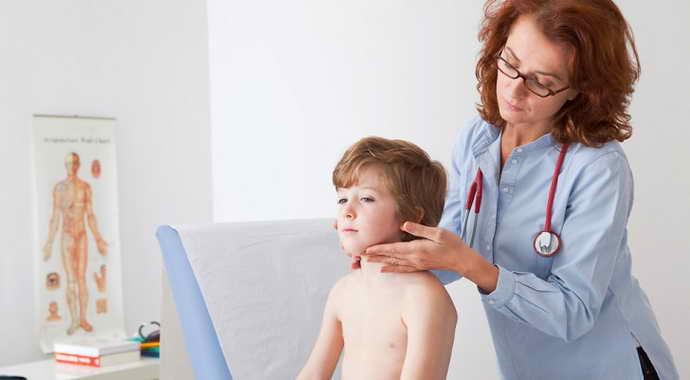 Высыпания на коже лечатся местно, назначаются антивирусные мази