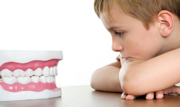 Если детский организм ослаблен, он в большей степени подвержен риску заболеть гингивитом