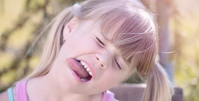 Причины болей языка сбоку неоднозначны