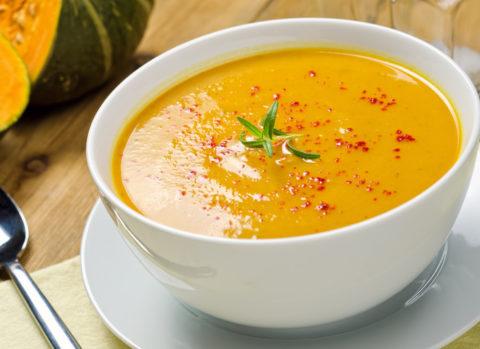 В течение нескольких суток рекомендуется употреблять пищу только в перетертом и жидком виде.