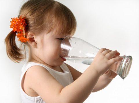 Малыш сильно хочет пить