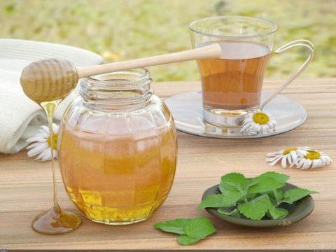 Употреблять следует только натуральный мед высокого качества.