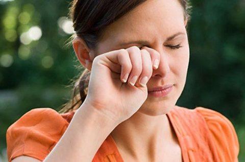 Чувство соринки в глазу от ожога или загрязнения конъюнктивы
